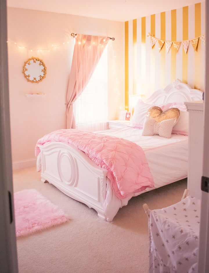 A Pink & Gold Girl's Room