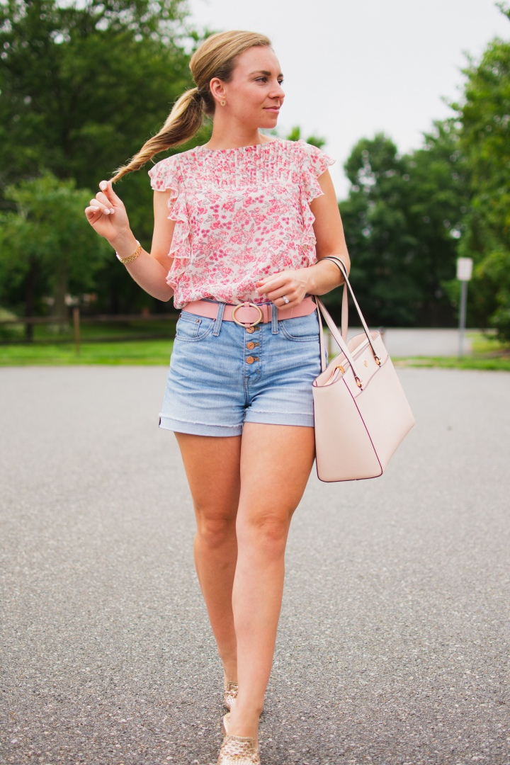 An Easy Summer Look – Pink, Gold & Floral Print